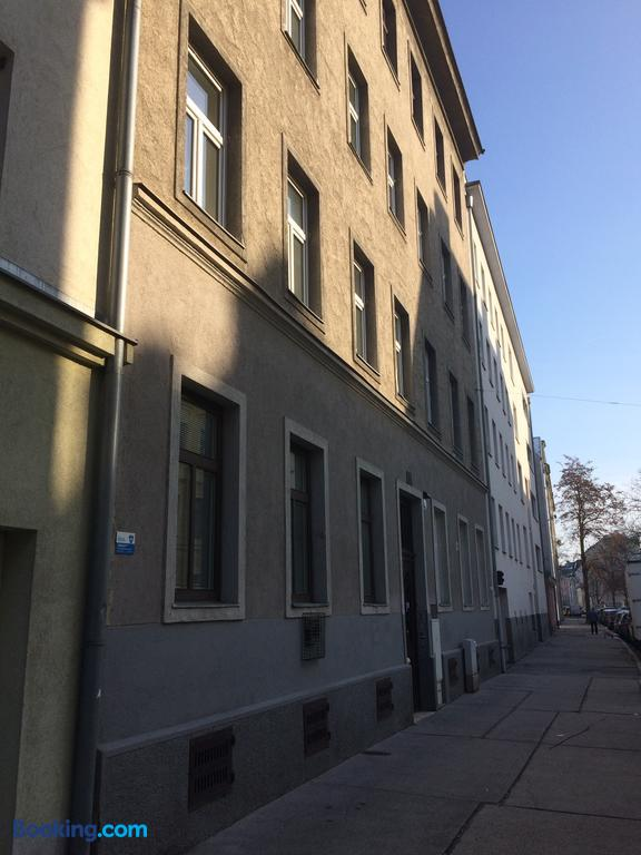 Clădire