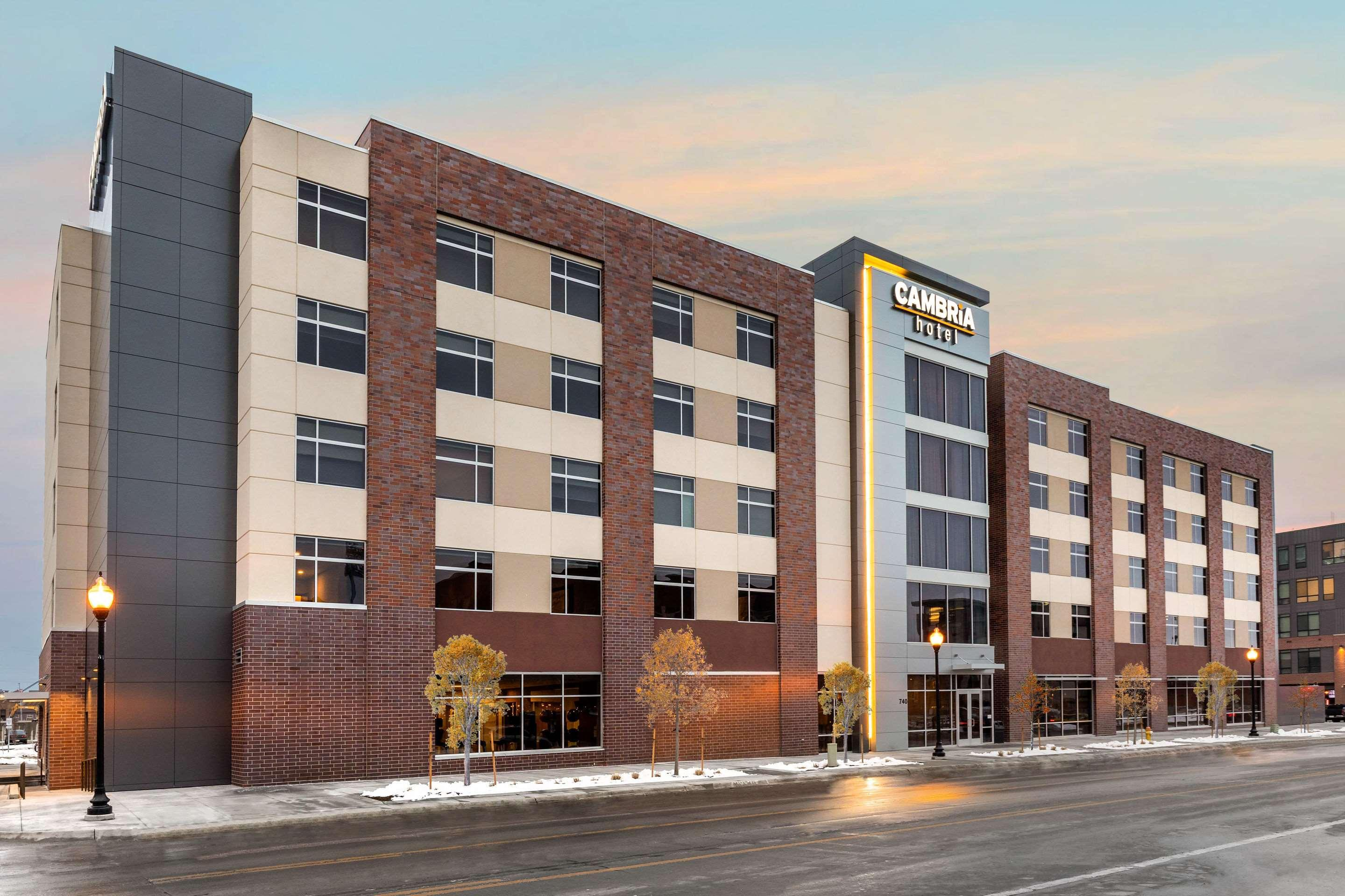 16 Best Hotels In Omaha Hotels From 48 Night Kayak
