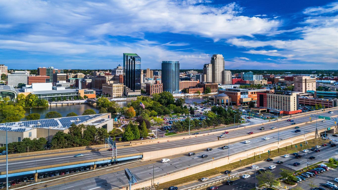 Grand Rapids: оренда авто
