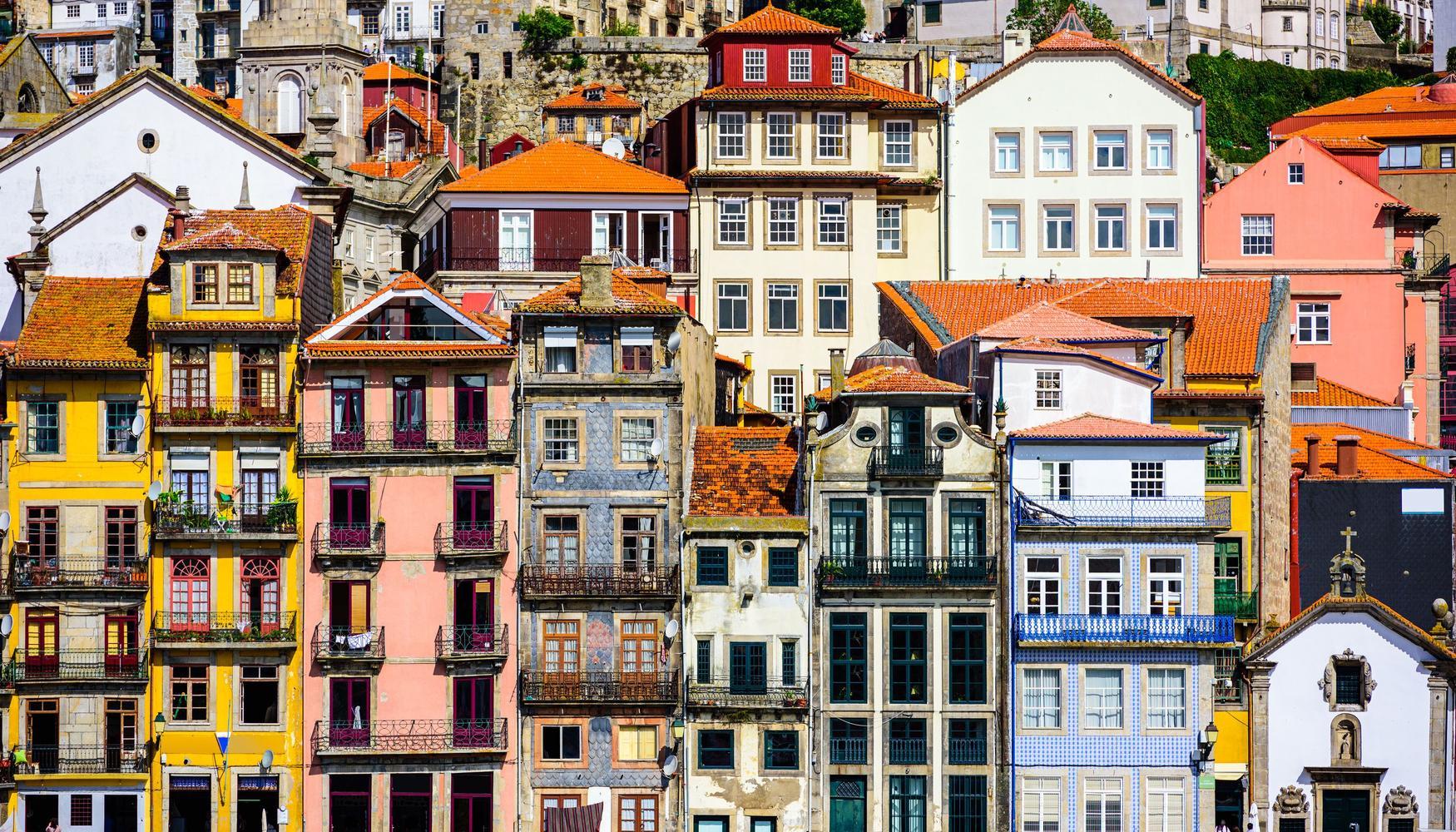 Auto de alquiler en Aeropuerto Oporto