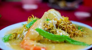 Small-Group Food Trail Walking Tour in Kuala Lumpur