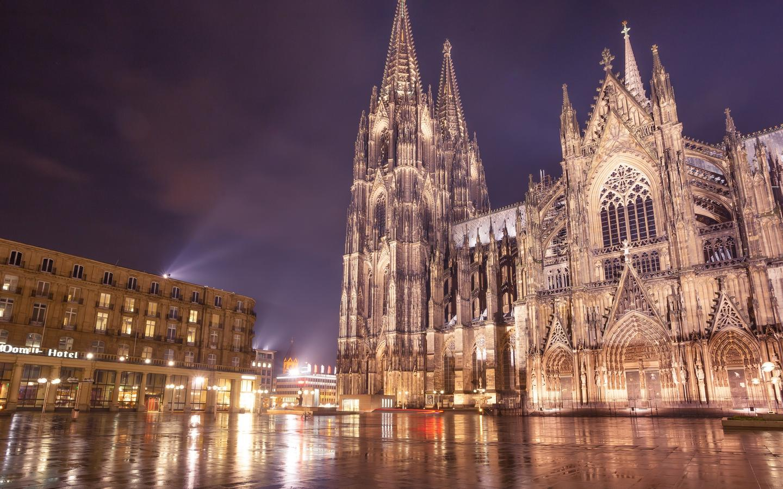 Khách sạn ở Cologne