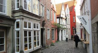 Bremen: Guided Walking Tour of Böttcherstraße