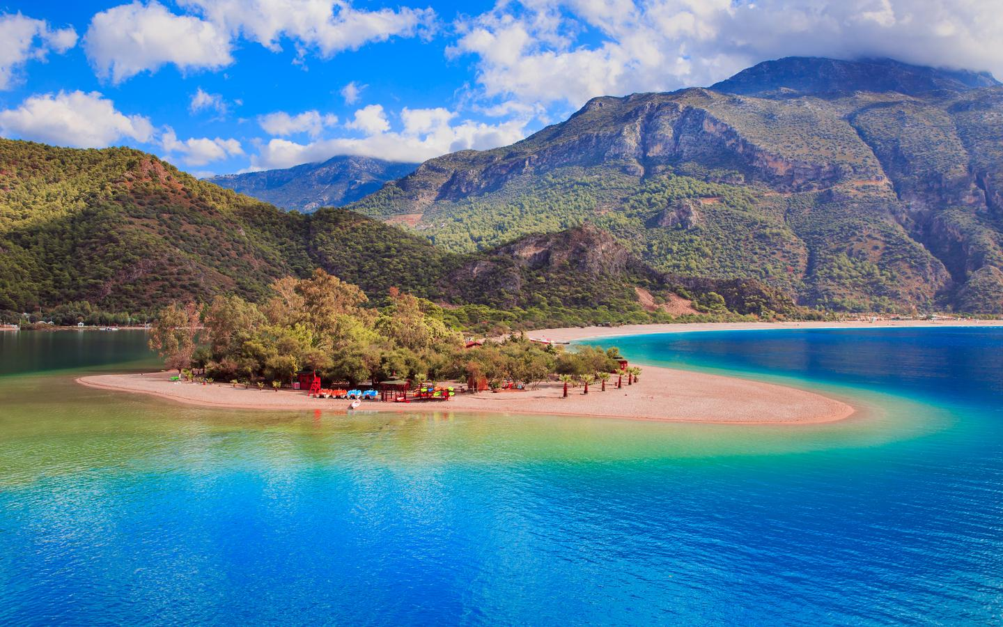 Hotels near Ölüdeniz Plaji (Ölüdeniz) from $17/night - KAYAK