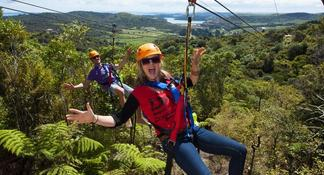 Hobbiton Movie Set & Waitomo Caves Trip from Auckland