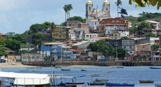 Excursão terrestre privada na praia de Salvador