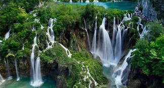 Plitvice Lakes N.P. Bus Tour from Zadar with skip-the-line