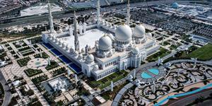 Car Hire in Abu Dhabi