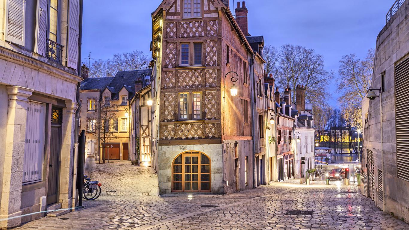 Orléans autoverhuur