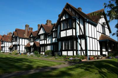 Tring hotels