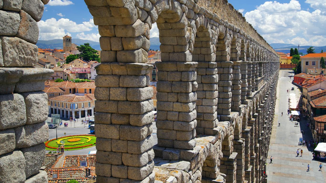 Alquiler de autos en Segovia