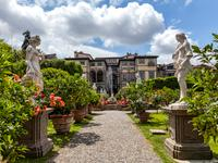 Lucca hotels