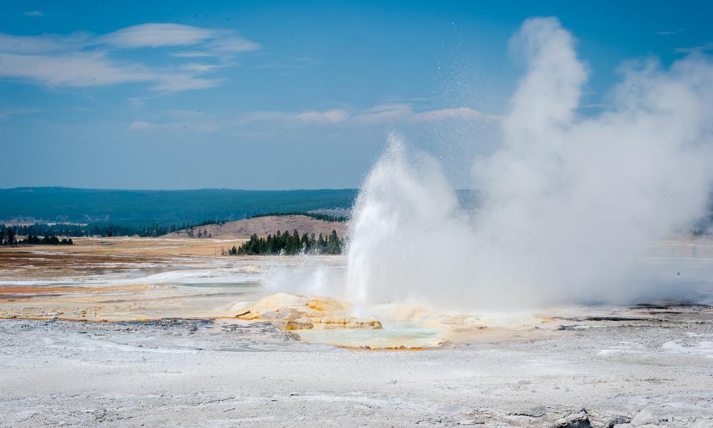 Yellowstone National Park Travel Guide Yellowstone
