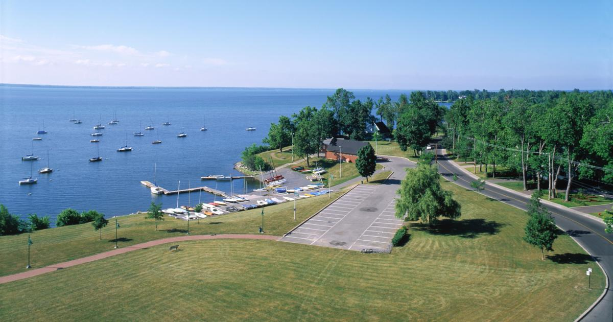 Hotels in Pointe-Claire from C$ 89/night - Search on KAYAK