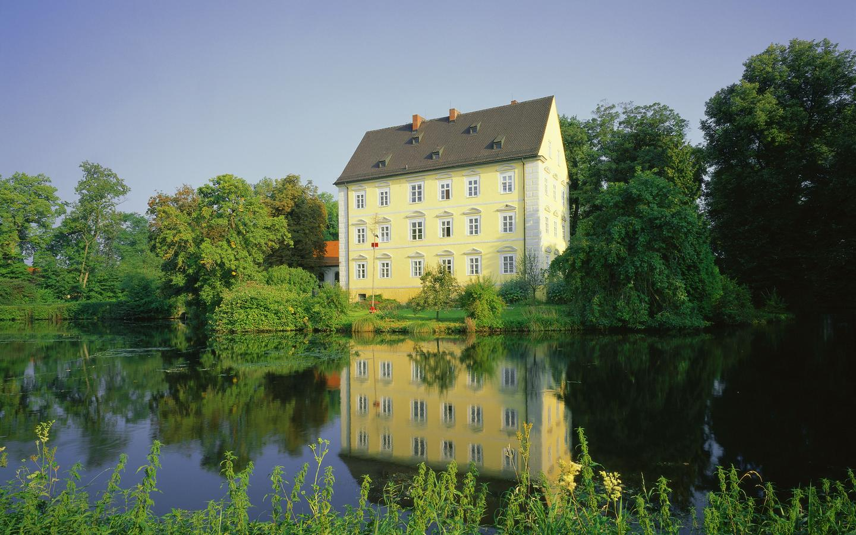 Hotels in Hallbergmoos