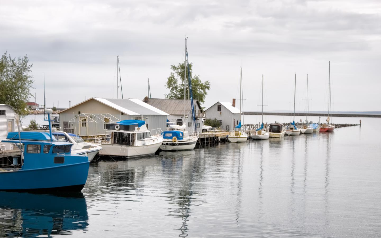 Cheap Flights To Marquette Mqt From 200 Kayak