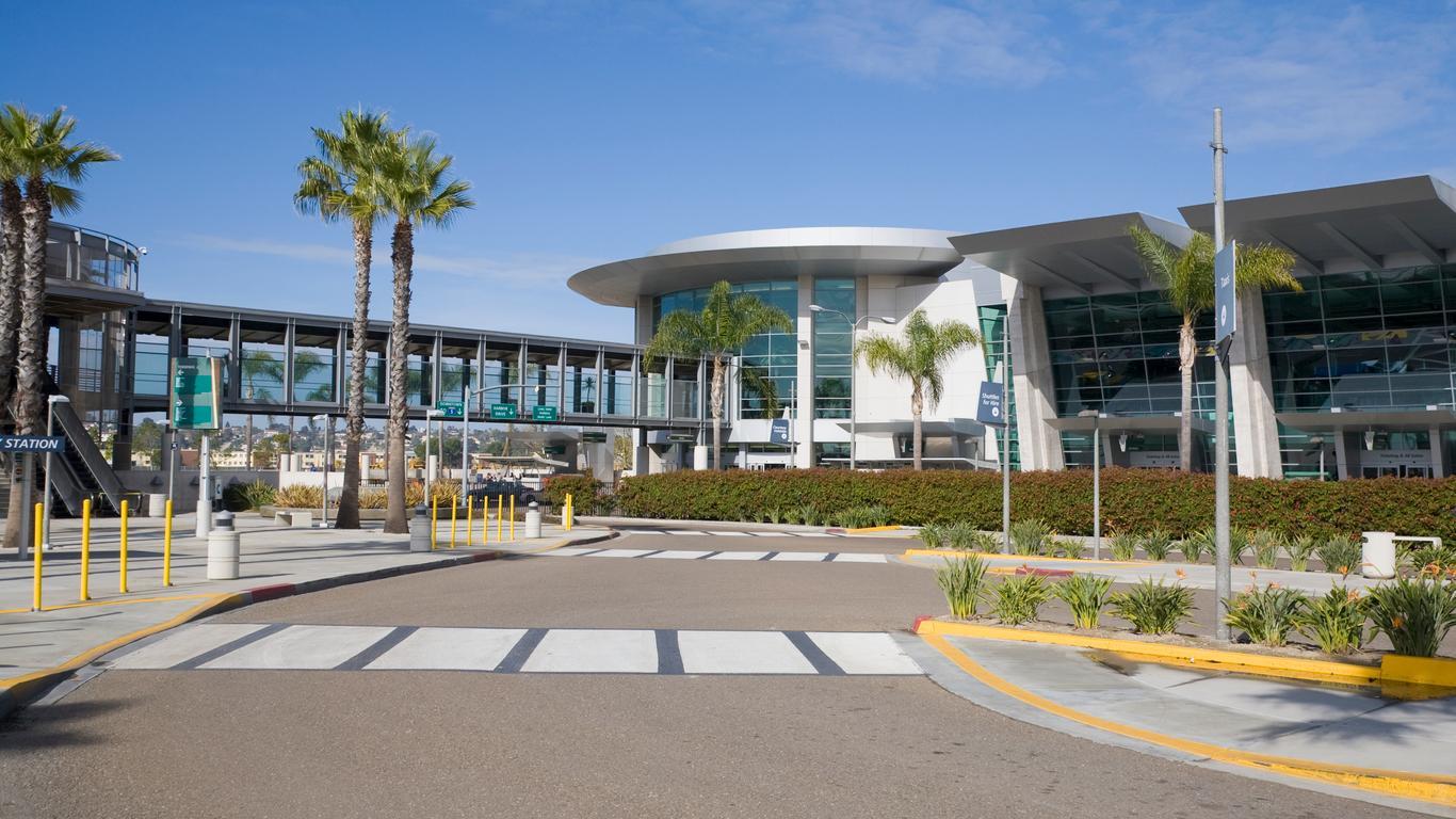 Auto de alquiler en Aeropuerto San Diego