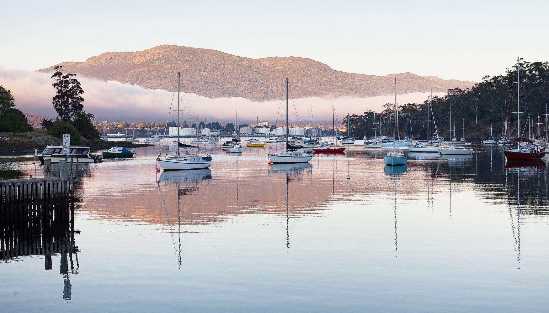 Carros de aluguer em Aeroporto de Hobart