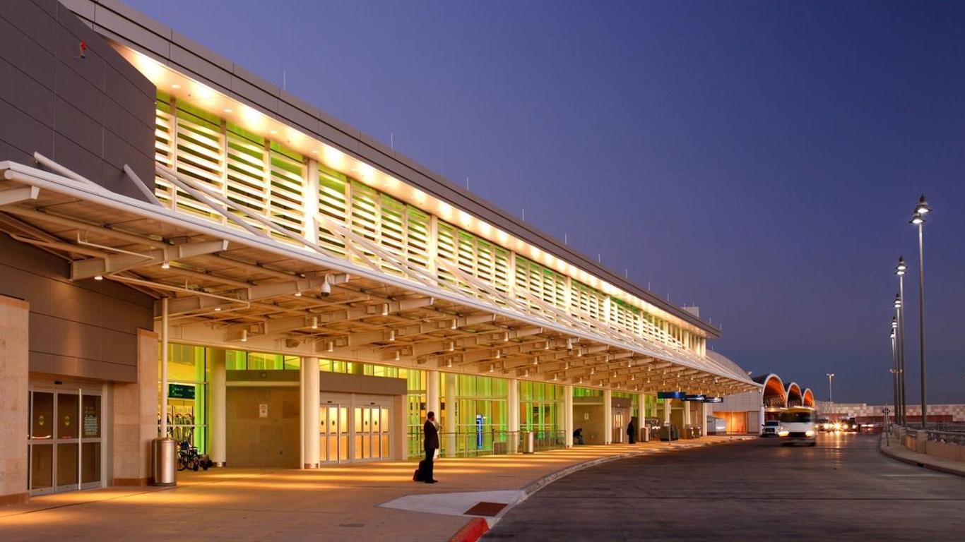 Autonoleggio a Aeroporto di San Antonio