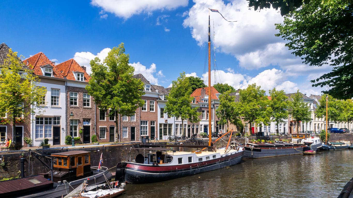 's-Hertogenbosch: оренда авто