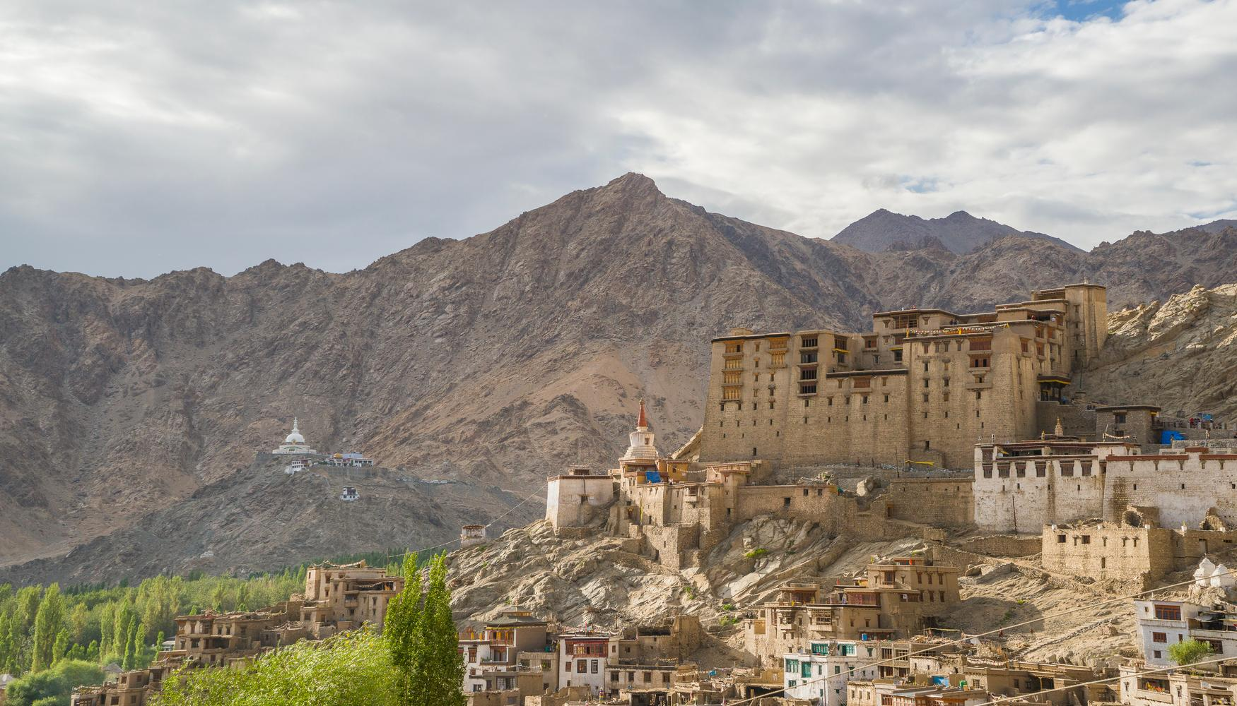 Car hire at Leh Airport