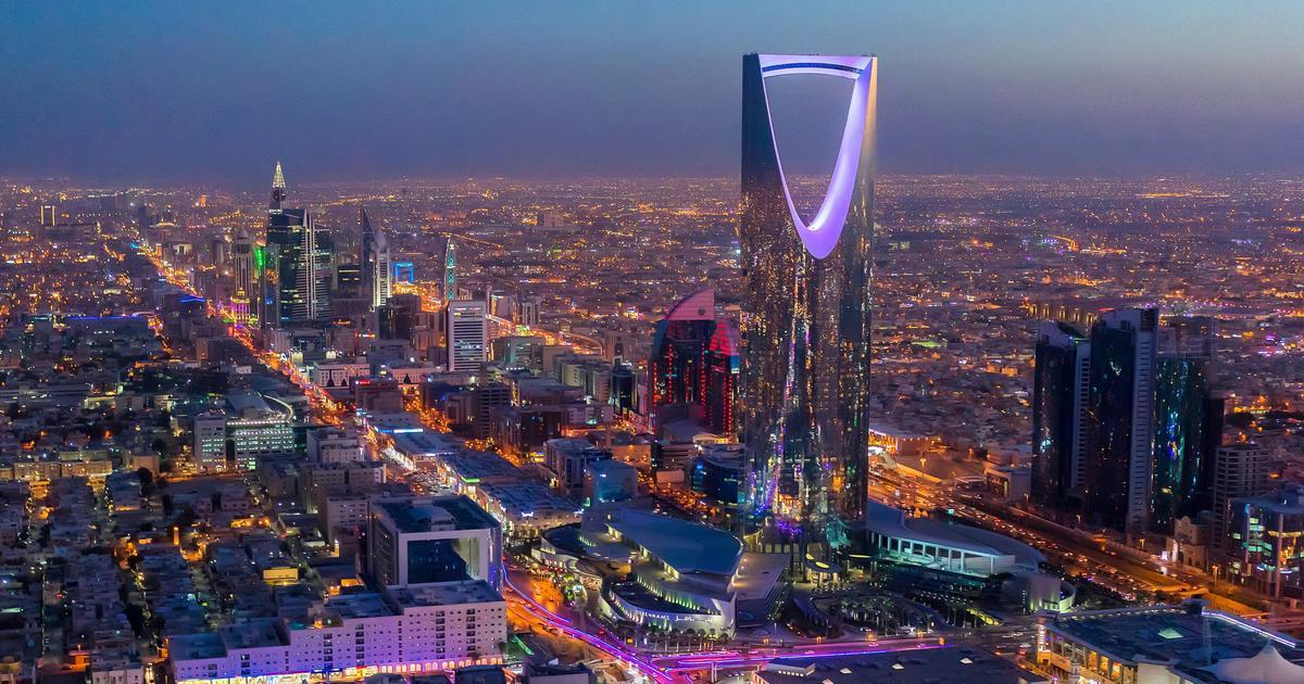 رحلات طيران رخيصة من المدينة المنورة إلى الرياض Kayak