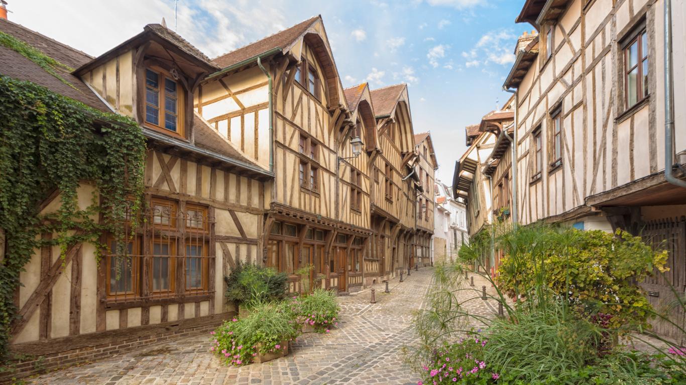 Troyes car rentals