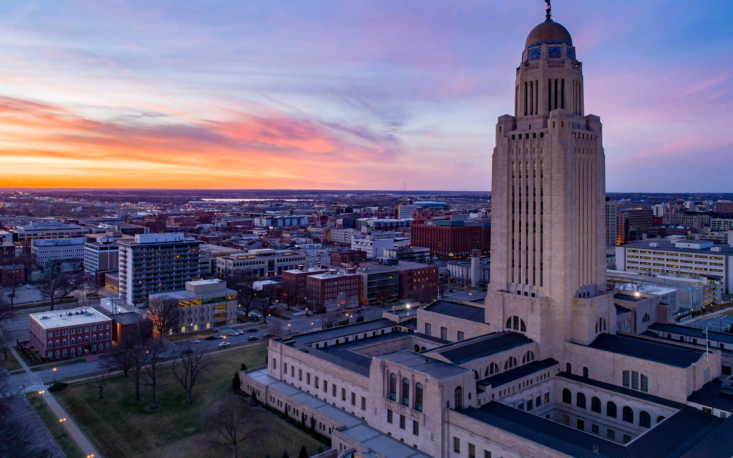 Cheap Flights from Minneapolis to Lincoln from $219 - KAYAK