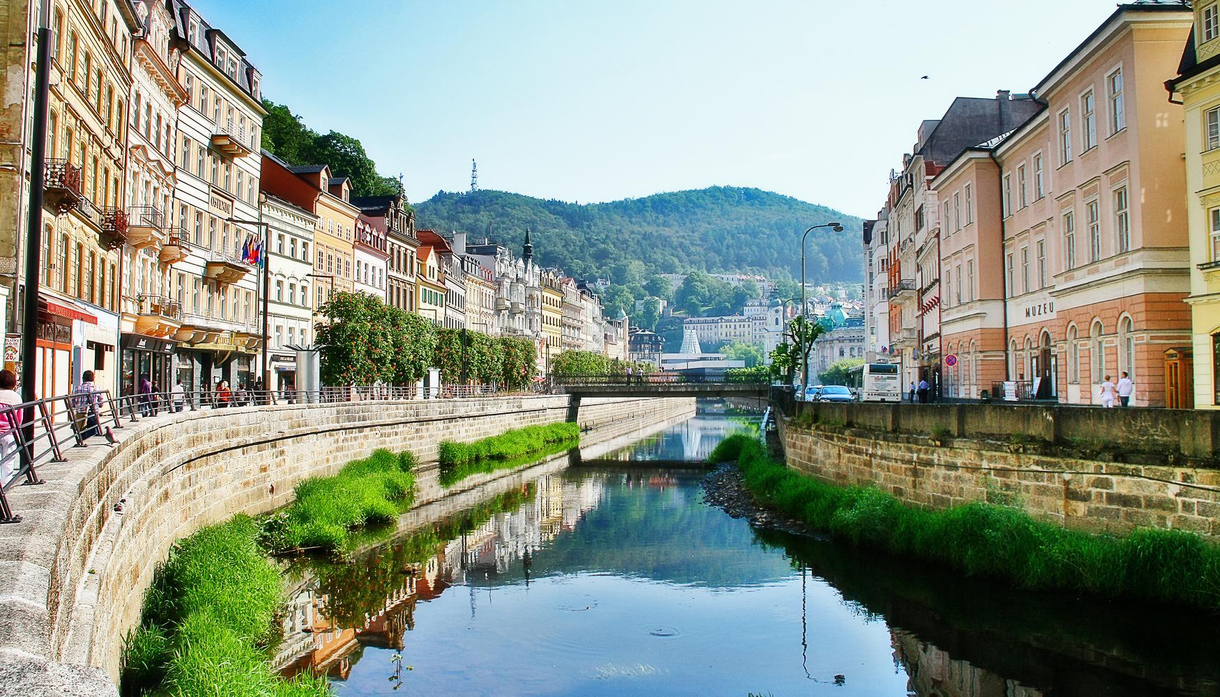 Car hire at Carlsbad Karlovy Vary Airport