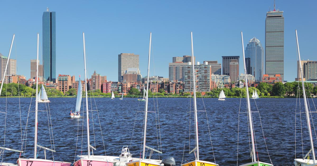 E Z Rent A Car Car Rentals In Boston From 43 Day Kayak
