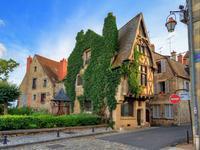 Ξενοδοχεία στην πόλη Νεβέρ