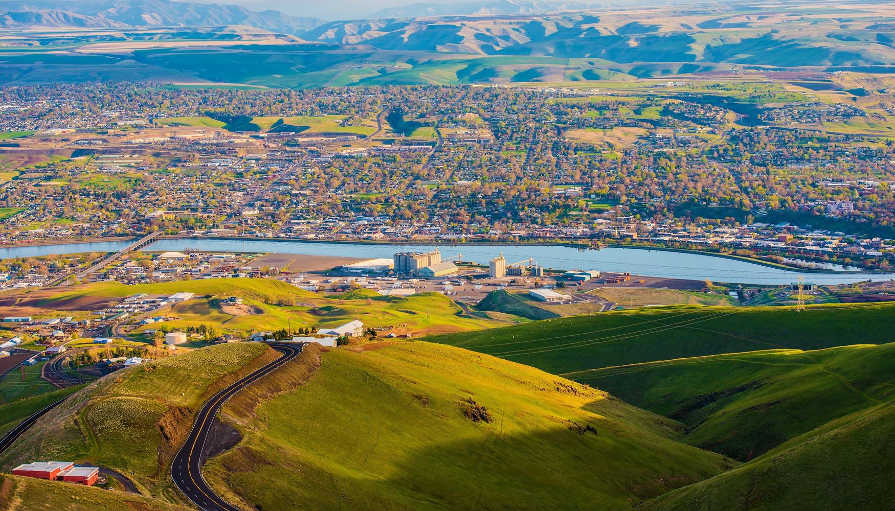 Car rental at Lewiston Nez Perce Rgnl Airport