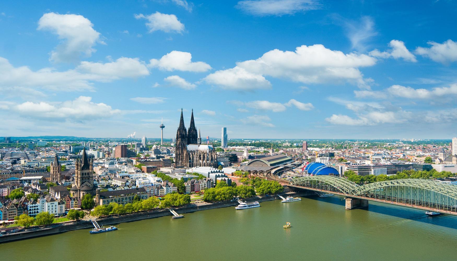 Autonvuokraukset Kölnin–Bonnin lentoasema lentokenttä