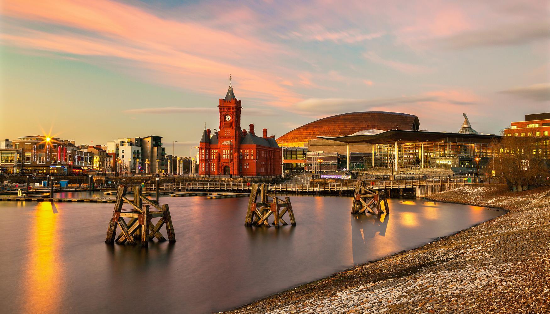 Hyrbilar på Cardiff Cardiff-Wales Arpt flygplats