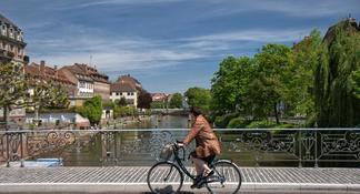 Excursion d'une journée en Alsace au départ de Strasbourg: Colmar, Eguisheim, Riquewihr, château du Haut-Koenigsbourg
