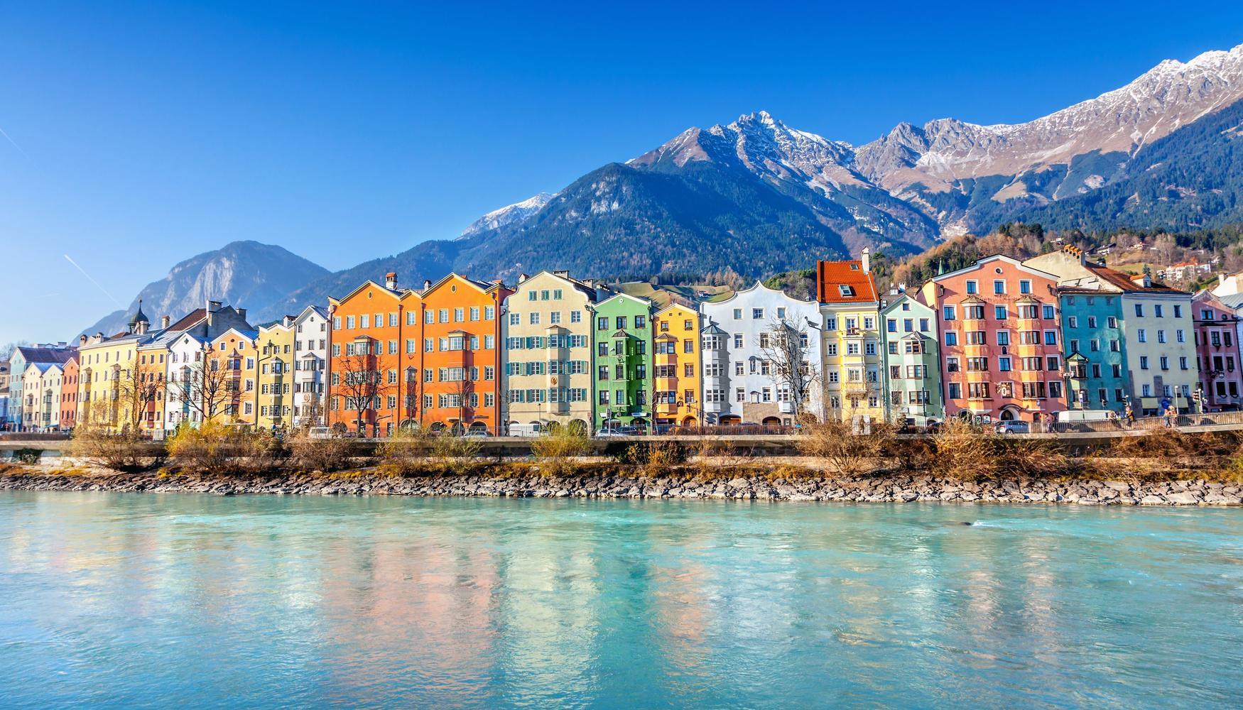 Hyrbilar på Innsbruck Kranebitten flygplats