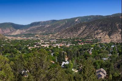 16 Best Hotels In Glenwood Springs Hotels From 58night Kayak
