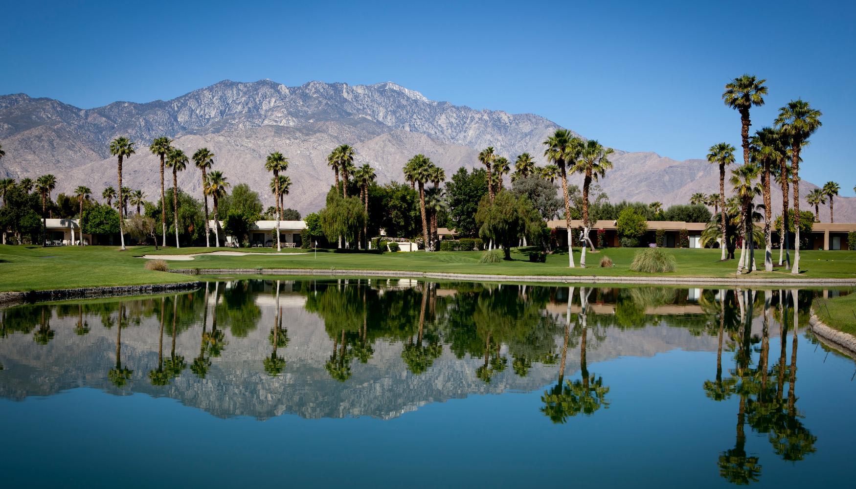 Car rental at Palm Springs Airport
