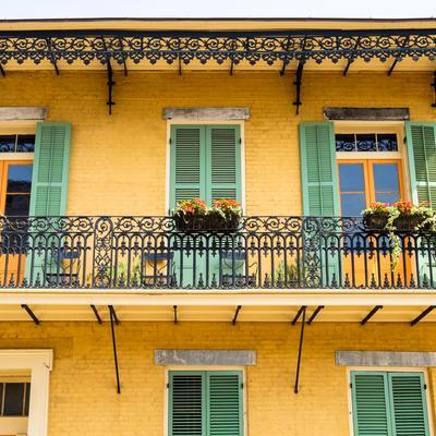KAYAK Summer Travel Hacker Guide - New Orleans