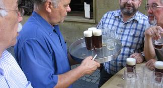 Düsseldorf: 3-Hour Beer Tour with Local Dishes