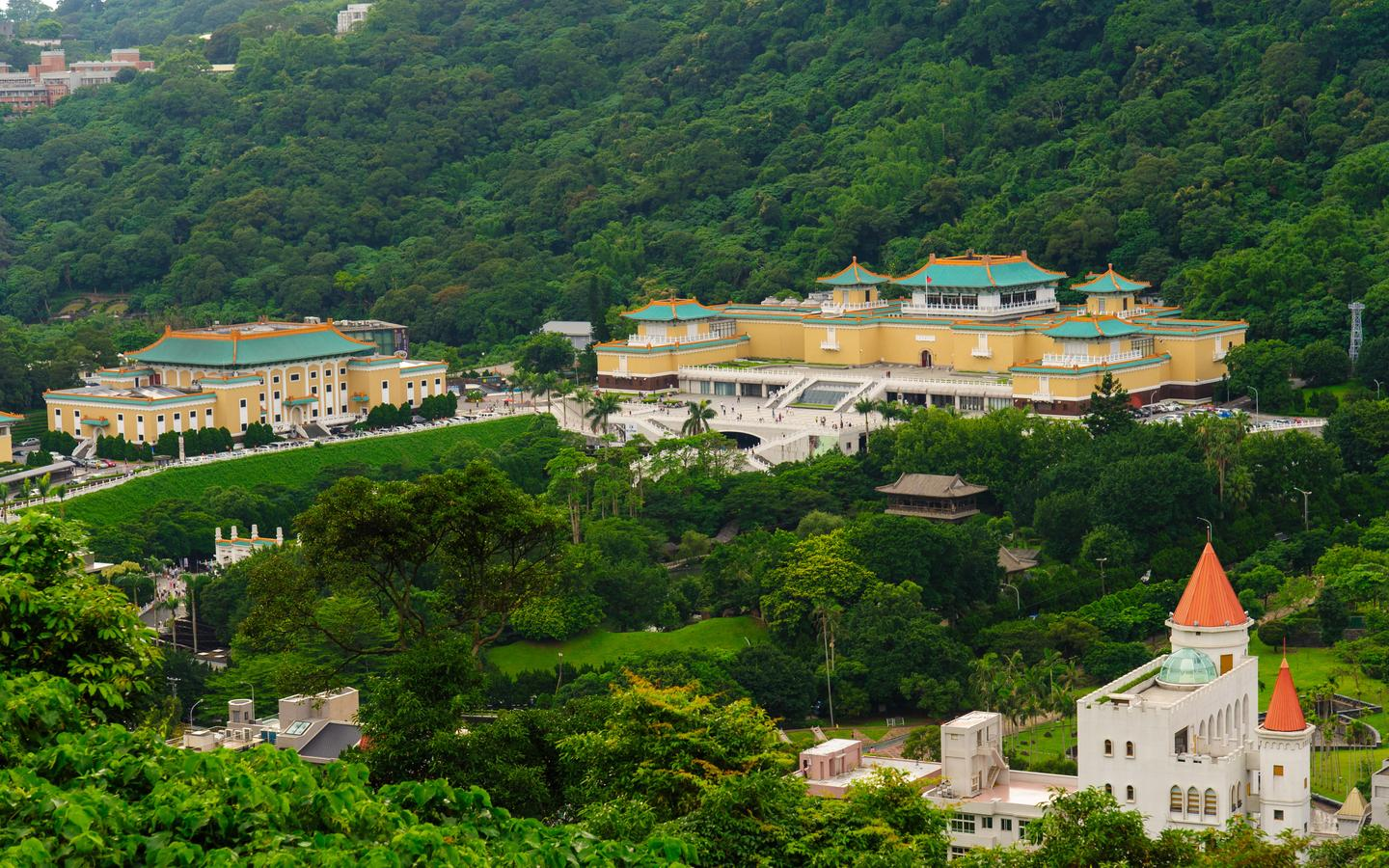 Tamsui District hotels