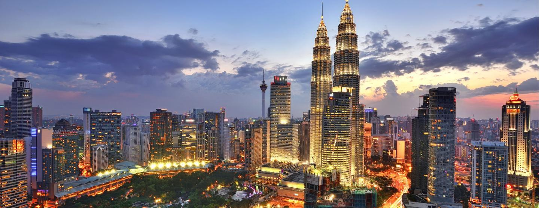 Auto de alquiler en Aeropuerto Internacional de Kuala Lumpur