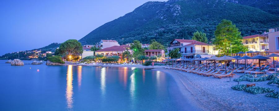 Λευκάδα - Ξενοδοχεία: 1.812 φθηνές προσφορές ξενοδοχείων στην πόλη ...