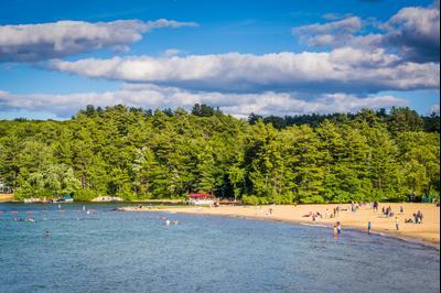 Weirs Beach hotels