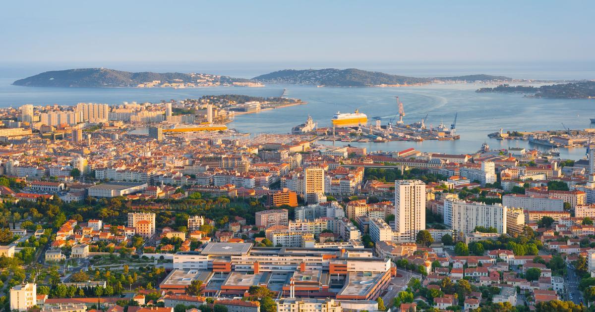 Woman in Toulon