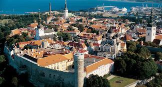 Shore Excursion: Old Town Tallinn and Kadriorg-Pirita Seaside