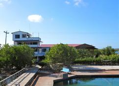 Coral View Beach Resort - Utila - Vista del exterior