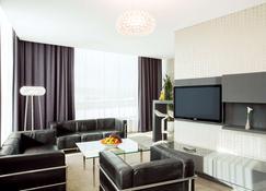 NH Bratislava Gate One - Bratislava - Sala de estar