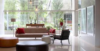 Dazzler by Wyndham Rosario - Rosario - Lounge
