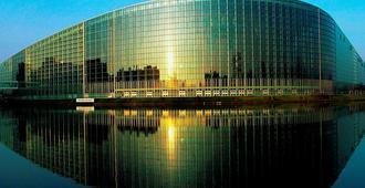 hotelF1 Strasbourg Pont de l'Europe (rénové) - Straatsburg - Gebouw